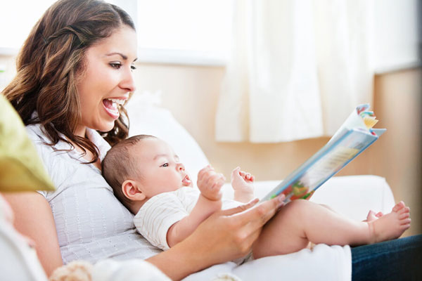 بلندخوانی برای نوزاد