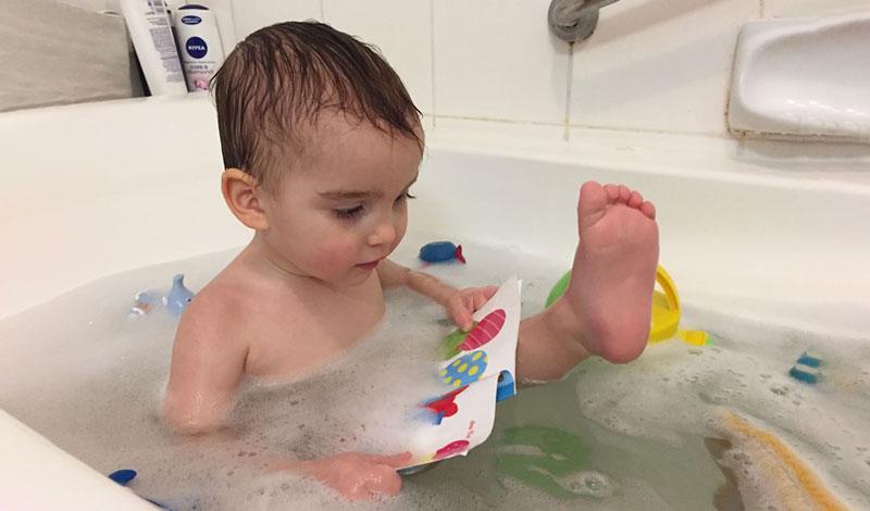 ۴ روش سوادآموزی هنگام حمام کردن