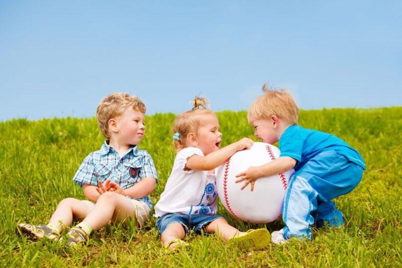 دلایل حسادت در کودکان چیست؟