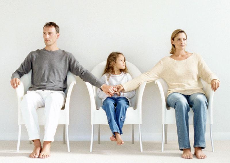 جدایی والدین و راه های کاهش آسیب های آن