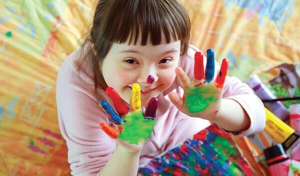 کودک معلول و نقاشی
